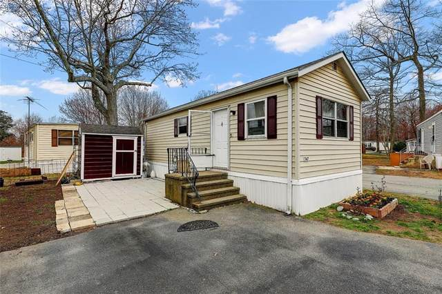 747 Forest Avenue, Middletown, RI 02842 (MLS #1279899) :: The Seyboth Team