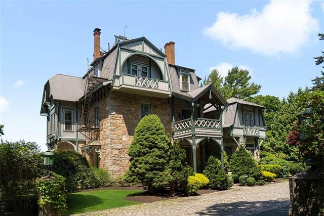 6 SW Howe Avenue #4, Newport, RI 02840 (MLS #1286852) :: Welchman Real Estate Group