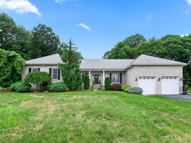 118 Fox Ridge Drive, Cranston, RI 02921 (MLS #1288360) :: Spectrum Real Estate Consultants