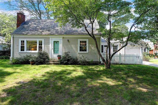 19 Roberta Drive, Barrington, RI 02806 (MLS #1289109) :: Welchman Real Estate Group