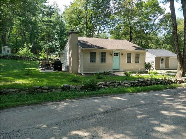 410 Field Hill Road, Scituate, RI 02815 (MLS #1289133) :: The Martone Group