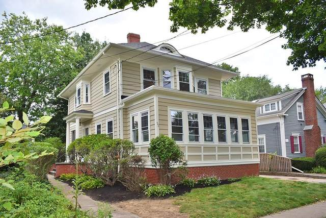 560 Wayland Avenue, Providence, RI 02906 (MLS #1291994) :: Dave T Team @ RE/MAX Central