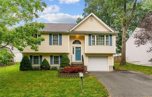 40 Edgewood Avenue, Cumberland, RI 02864 (MLS #1294461) :: Spectrum Real Estate Consultants
