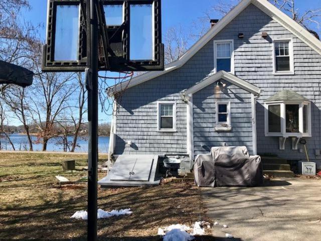 49 Breeze Av, East Providence, RI 02915 (MLS #1185357) :: Westcott Properties