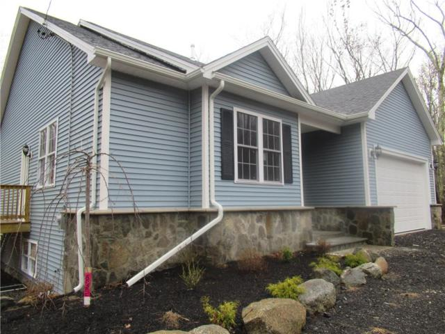 850 Chestnut Hill Rd, Glocester, RI 02814 (MLS #1212539) :: The Martone Group