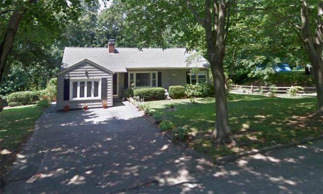 40 Roslyn Av, Cranston, RI 02910 (MLS #1213084) :: The Goss Team at RE/MAX Properties