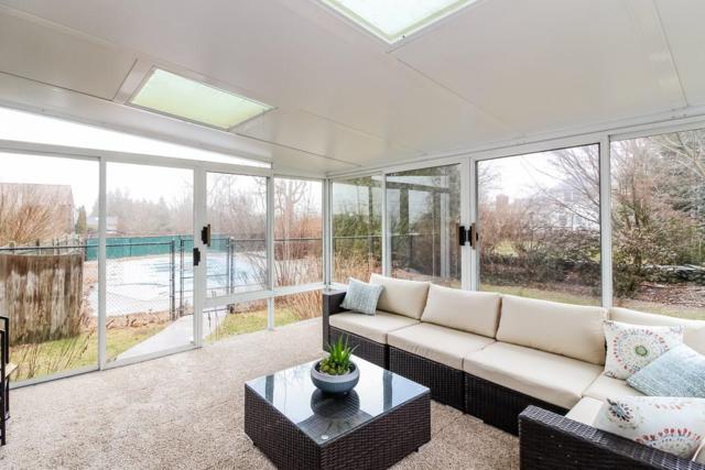 91 Pear St, Portsmouth, RI 02871 (MLS #1214550) :: Welchman Real Estate Group | Keller Williams Luxury International Division