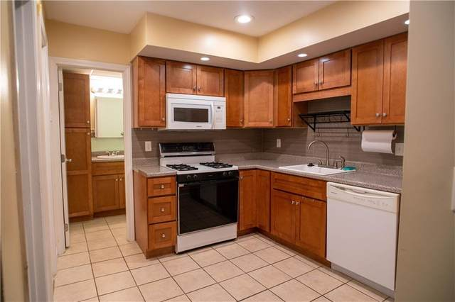 132 Hoffman Avenue #112, Cranston, RI 02920 (MLS #1285751) :: Spectrum Real Estate Consultants