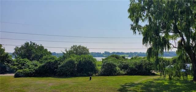 33 Three Rod Way, Tiverton, RI 02878 (MLS #1289192) :: Welchman Real Estate Group
