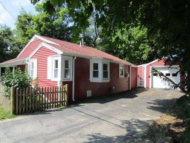 23 Middleboro Rd, Freetown, MA 02717 (MLS #1170966) :: Westcott Properties