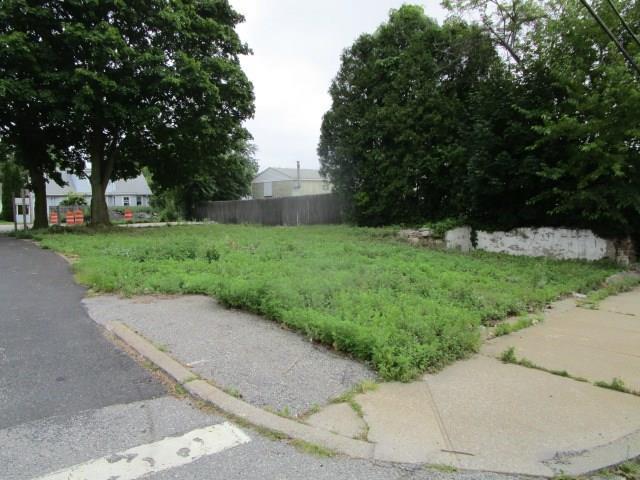 1741 Plainfield Pike, Johnston, RI 02919 (MLS #1171072) :: Westcott Properties