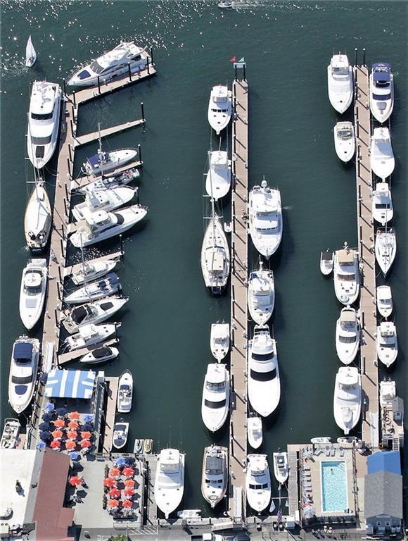 26 Lees Wharf Wharf, Unit#M40 M40, Newport, RI 02840 (MLS #1172873) :: The Goss Team at RE/MAX Properties