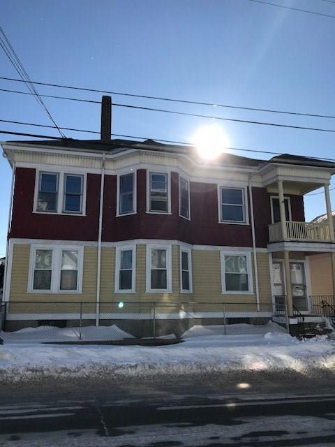 824 Main St, Pawtucket, RI 02860 (MLS #1180762) :: The Martone Group