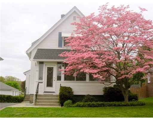 43 Homestead Av, North Smithfield, RI 02896 (MLS #1181852) :: The Goss Team at RE/MAX Properties