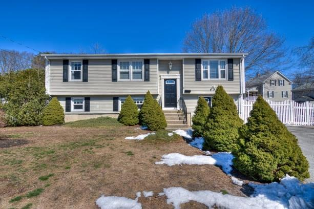 11 Newlight St, West Warwick, RI 02893 (MLS #1185617) :: Welchman Real Estate Group | Keller Williams Luxury International Division