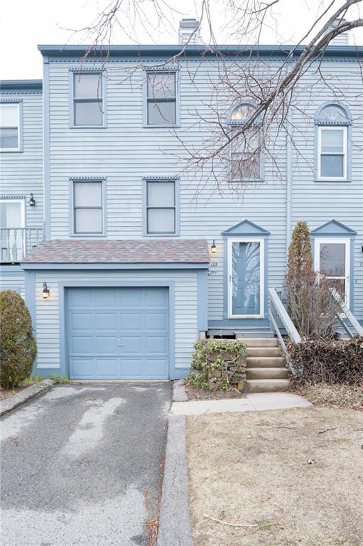 1 Willow Glen Cir, Unit#125 #125, Warwick, RI 02889 (MLS #1186565) :: Westcott Properties