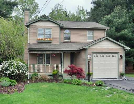 12 Downs Ct, Richmond, RI 02812 (MLS #1189242) :: Welchman Real Estate Group | Keller Williams Luxury International Division