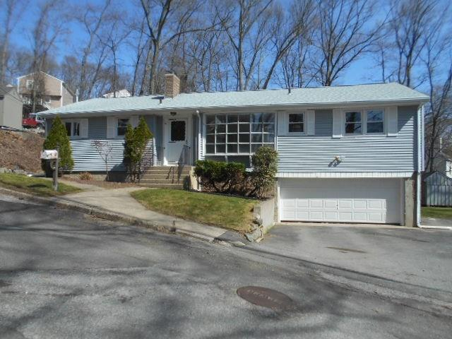 19 Williams St, Lincoln, RI 02865 (MLS #1191121) :: The Martone Group