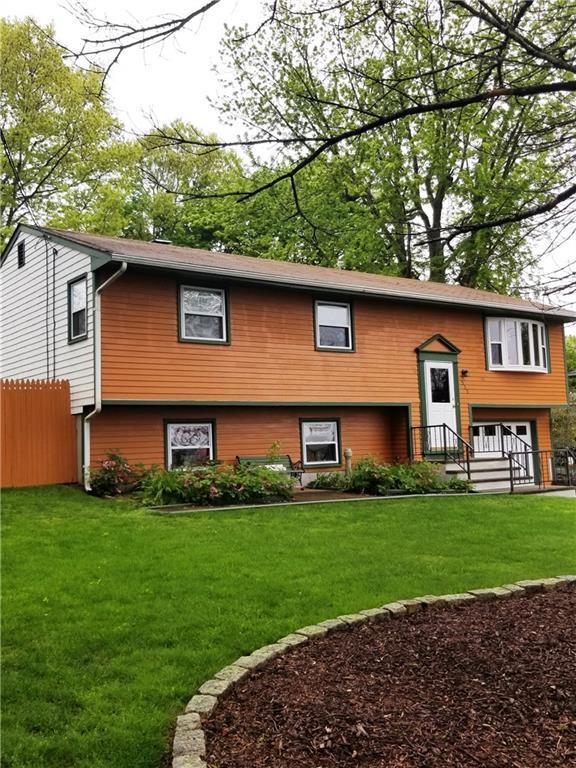 535 Fish Rd, Tiverton, RI 02878 (MLS #1192188) :: Welchman Real Estate Group   Keller Williams Luxury International Division
