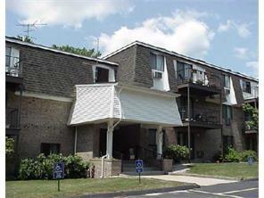 750 Quaker Lane, Unit#B306 B306, Warwick, RI 02818 (MLS #1194331) :: The Martone Group