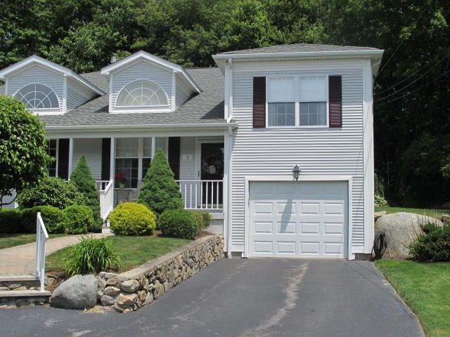 9 Countryside Dr, Smithfield, RI 02917 (MLS #1195465) :: The Goss Team at RE/MAX Properties