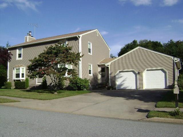 25 Martingale Dr, Warwick, RI 02886 (MLS #1195622) :: Westcott Properties