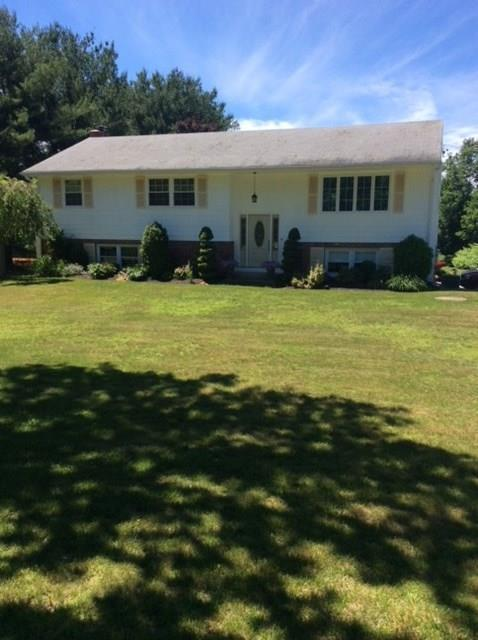 1295 Chopmist Hill Rd, Scituate, RI 02857 (MLS #1195648) :: The Martone Group