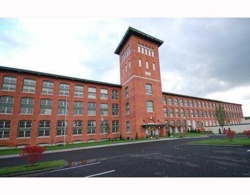 1 Tupperware Dr, Unit#341 #341, North Smithfield, RI 02896 (MLS #1197017) :: The Martone Group
