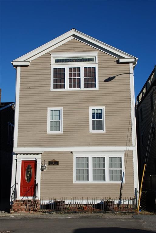 9 Waites Wharf, Unit#2 #2, Newport, RI 02840 (MLS #1198053) :: Onshore Realtors