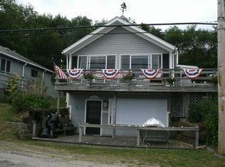 458 Narragansett Av, Portsmouth, RI 02872 (MLS #1198754) :: The Martone Group