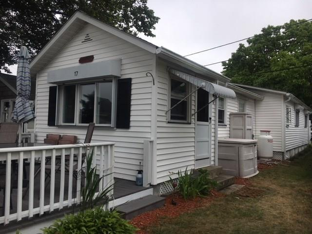 17 East Andrew Comstock Rd, Warwick, RI 02886 (MLS #1199854) :: Onshore Realtors