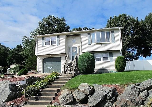45 Lake Garden Dr, Cranston, RI 02920 (MLS #1204986) :: Welchman Real Estate Group | Keller Williams Luxury International Division