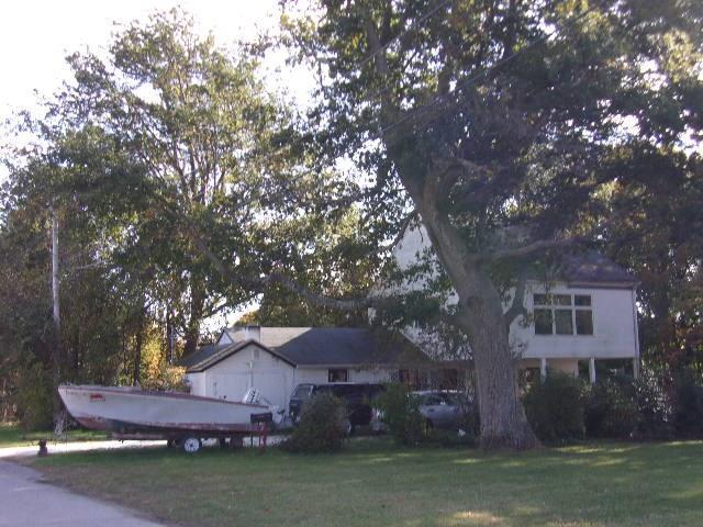 77 Watson Av, Jamestown, RI 02835 (MLS #1208489) :: Welchman Real Estate Group | Keller Williams Luxury International Division