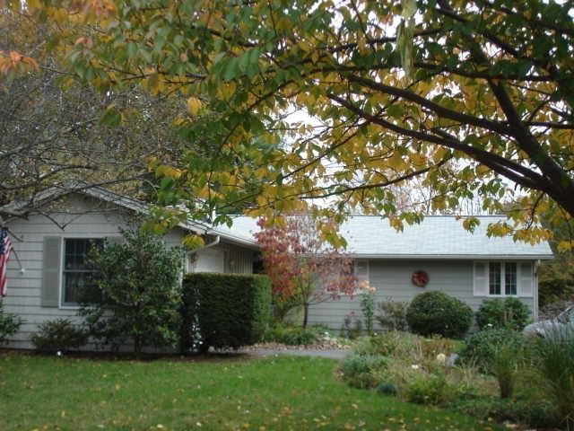 24 Whippoorwill Rd, Warwick, RI 02888 (MLS #1211129) :: The Martone Group