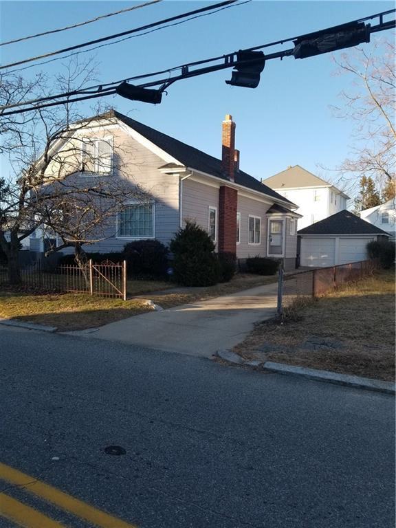 115 Pleasant St, Cranston, RI 02910 (MLS #1211222) :: The Martone Group