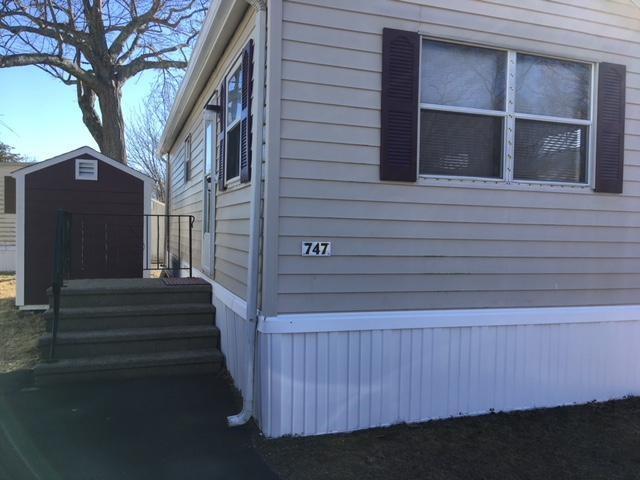 747 Forest Park Mobile Avenue Av, Middletown, RI 02842 (MLS #1213842) :: Westcott Properties