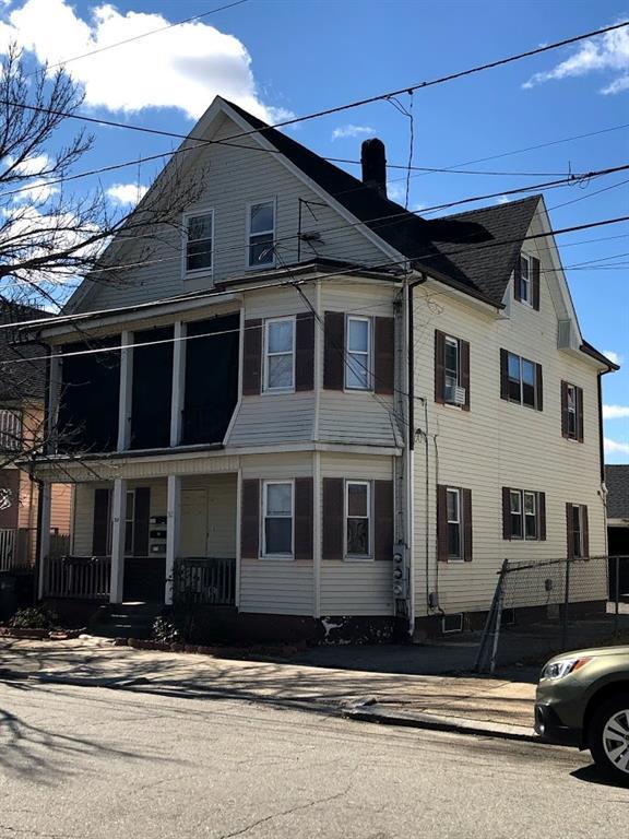 32 Moorefield St, Providence, RI 02909 (MLS #1218931) :: The Martone Group