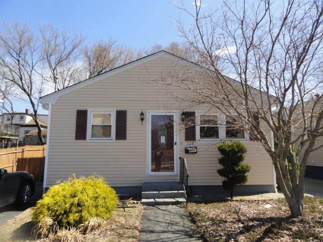 129 Springfield St, Providence, RI 02909 (MLS #1219235) :: The Martone Group