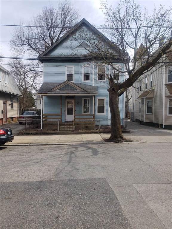 70 Stanwood St, Providence, RI 02907 (MLS #1221376) :: Welchman Real Estate Group | Keller Williams Luxury International Division