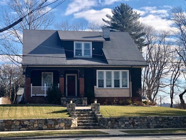1122 Narragansett Blvd, Cranston, RI 02905 (MLS #1222595) :: Welchman Real Estate Group | Keller Williams Luxury International Division
