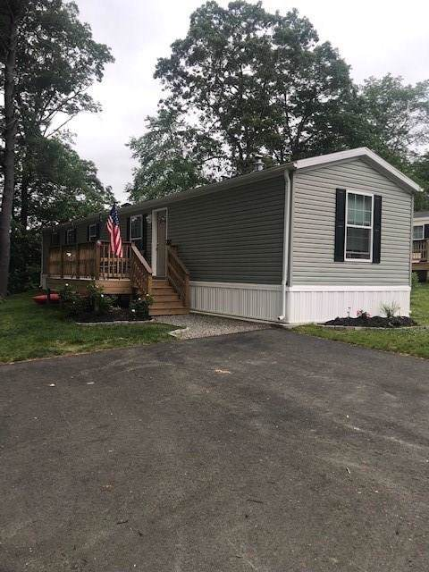 40 Park View Drive, Glocester, RI 02814 (MLS #1226278) :: The Martone Group