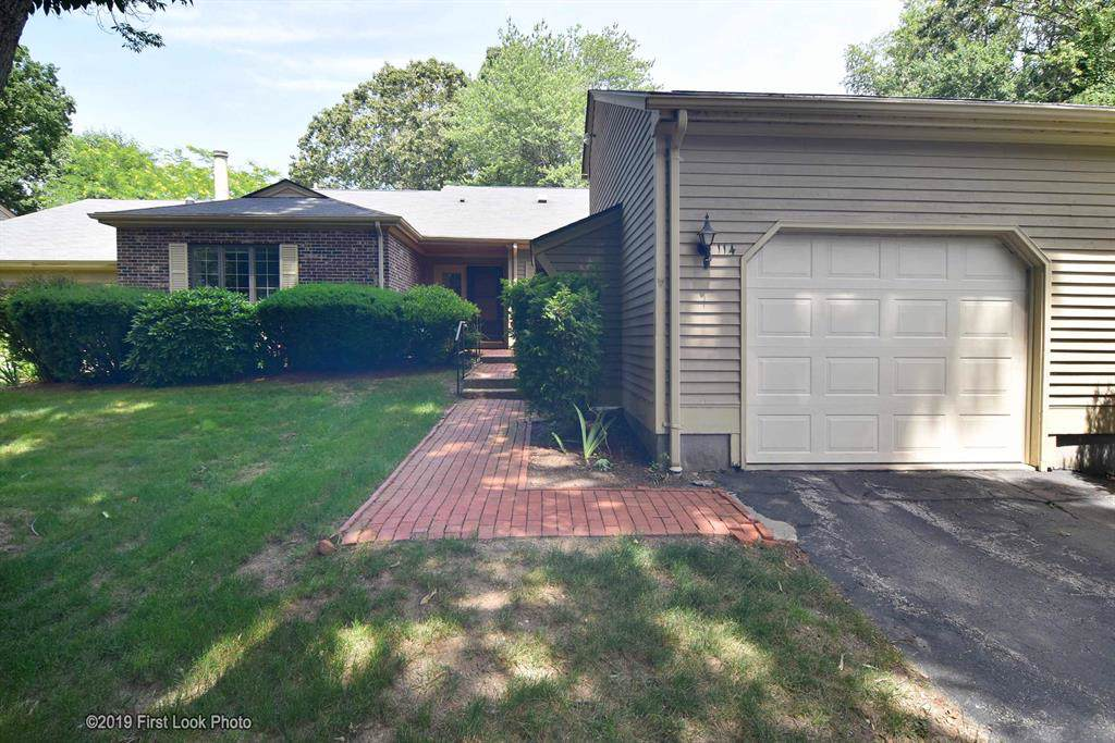 114 Pine Glen Dr, East Greenwich, RI 02818 (MLS #1228824) :: The Martone Group