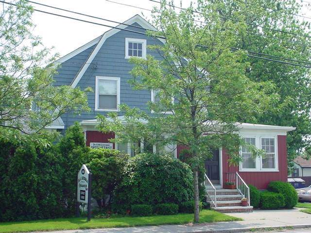 1624 Warwick Avenue, Warwick, RI 02889 (MLS #1229506) :: The Seyboth Team