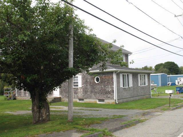 140 Willow Lane, Portsmouth, RI 02871 (MLS #1233225) :: RE/MAX Town & Country