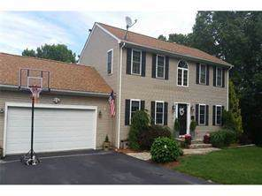 142 Elizabeth Avenue, North Smithfield, RI 02896 (MLS #1239267) :: RE/MAX Town & Country