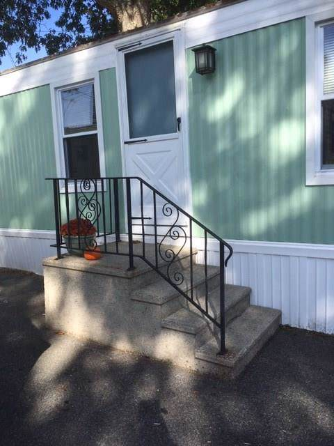 812 Forest Park Road, Middletown, RI 02842 (MLS #1239436) :: Welchman Real Estate Group