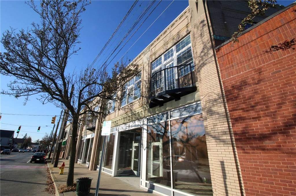 138 Taunton Avenue - Photo 1