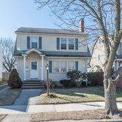 286 Beckwith Street, Cranston, RI 02910 (MLS #1247375) :: The Martone Group