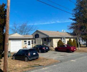 24 Evergreen Avenue, Tiverton, RI 02878 (MLS #1250473) :: Welchman Real Estate Group