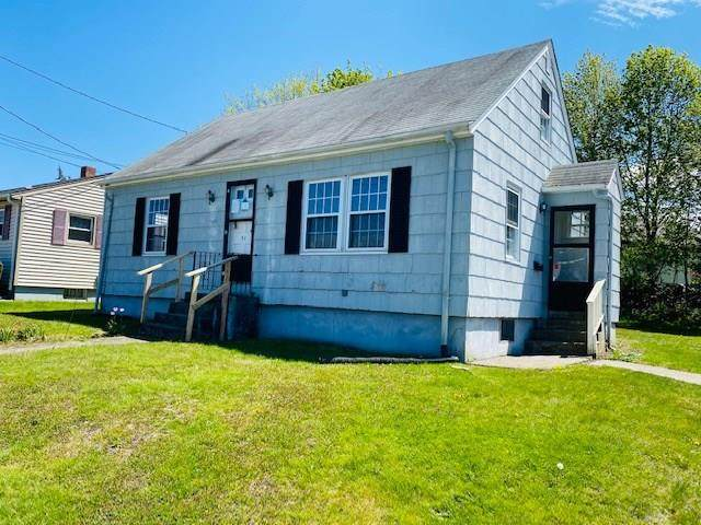 31 Belleview Avenue, Tiverton, RI 02878 (MLS #1254157) :: The Mercurio Group Real Estate
